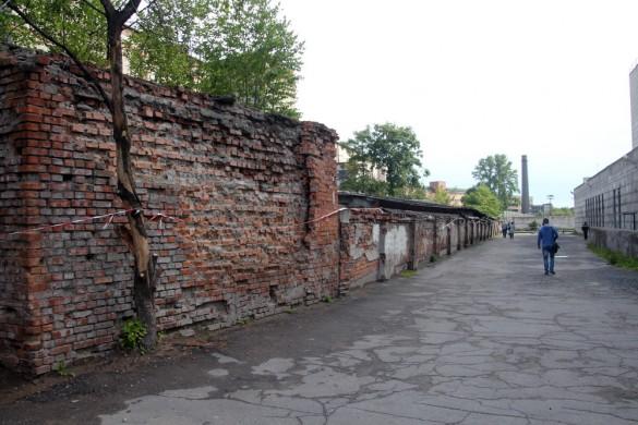 Стена у Нарвской