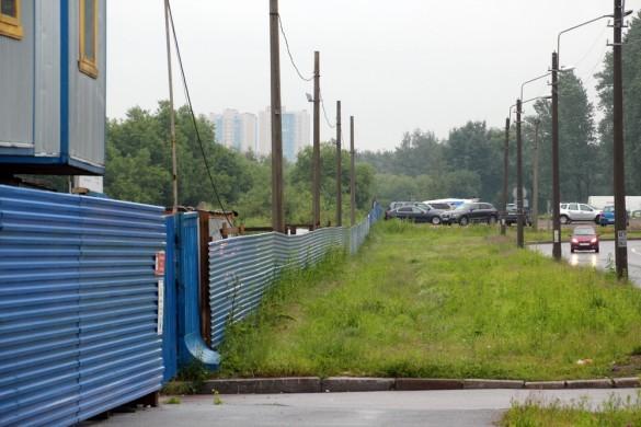 Строительный забор на улице Чекистов