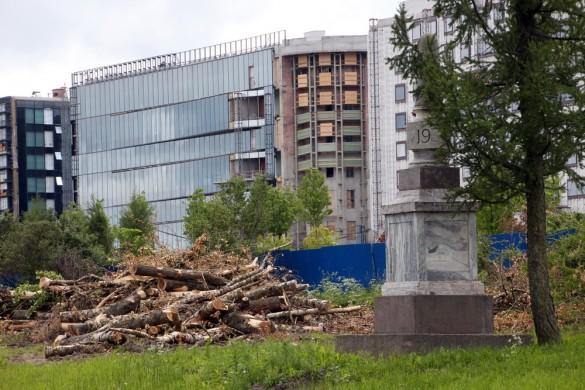 Вырубка деревьев у Экспофорума