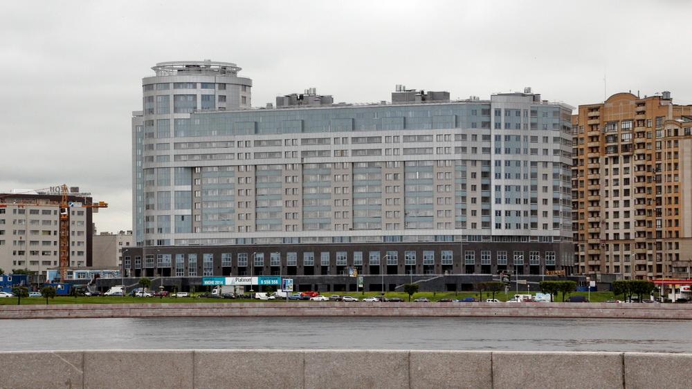 Жилой дом на Свердловской набережной, 58