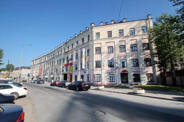 Набережная реки Смоленки, 5-7, Рот-фронт