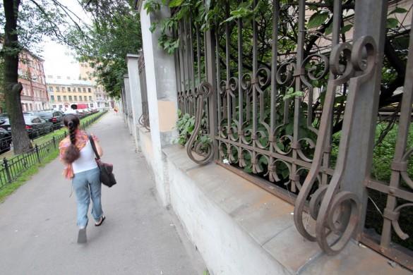 Ограда фабрики Крупской