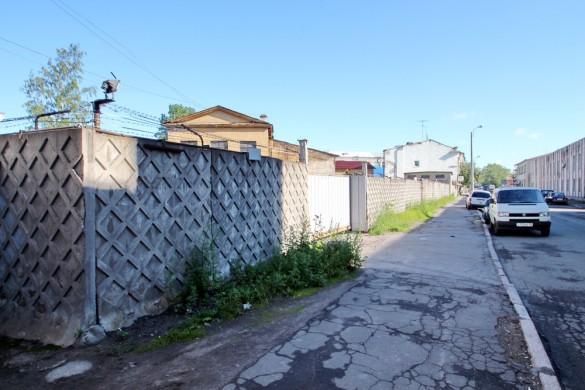 Тротуар вместе перекрестка Урюпина и Михайловского переулков