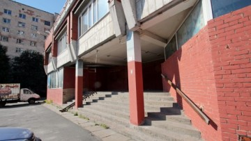 Вход в медицинский центр СПбГУ на Кораблестроителей
