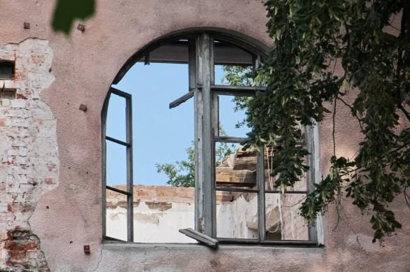 Окно Дома с ангелом