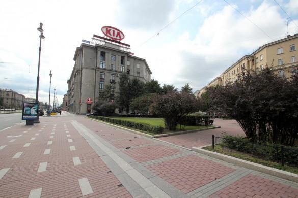 Площадь Братьев Стругацких на Московском
