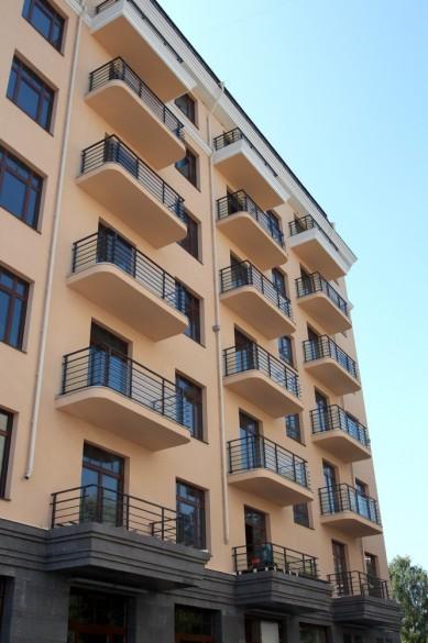 Балконы дома на Динамо, 6