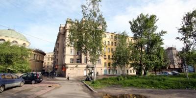 Двор возле метро Нарвская