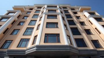 Фасад дома на Динамо по Малой Невке