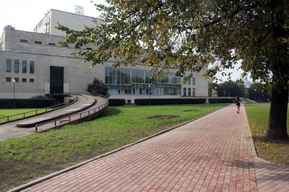 Сад Театра Юных Зрителей, ТЮЗ