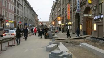 Ремонт улицы Восстания создал временные неудобства для пешеходов