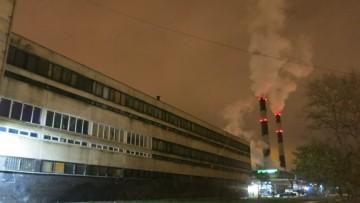 Дымы над заводом «Реактив» на Октябрьской клубятся даже по ночам