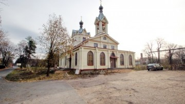 Церковь Святителя Спиридона Тримифунтского на Иликовском проспекте, 1, в Ломоносове