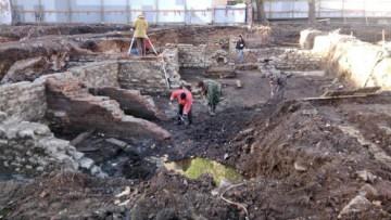 Раскопки на Сытнинской