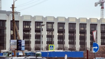 Снос здания на площади Победы
