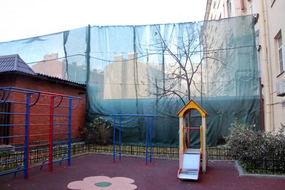 Детская площадка на Большой Зелениной