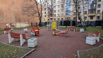 Детская площадка на Разъезжей