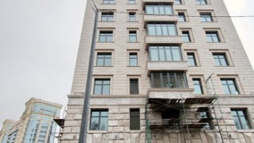 Боковой фасад дома на улице Победы
