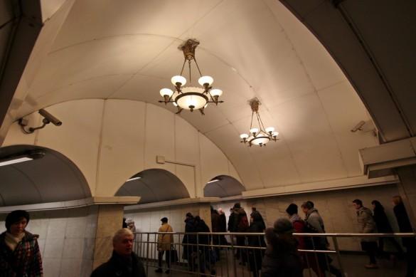 Люстры в переходе Пушкинская - Звенигородская