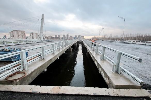 Мост через Дудергофский на проспекте Героев
