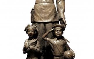 Памятник Дядя Степа— милиционер
