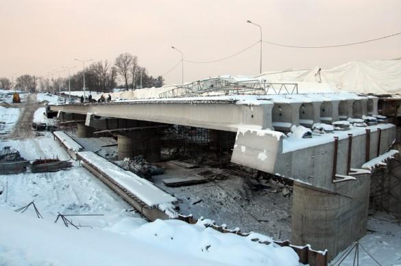Строящийся мост над Пулковкой