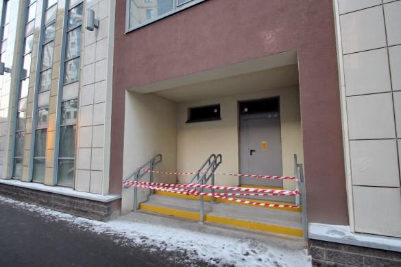 Вход в бизнес-центр на Киевской
