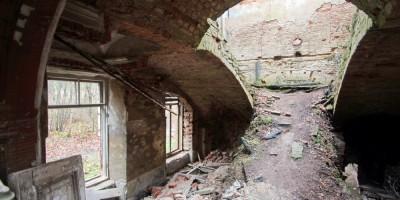 Лестница в ропшинском дворце