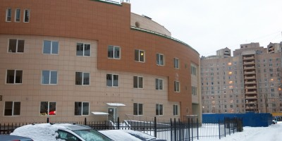 Медцентр на Ильюшина, задний фасад