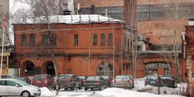 Производственное здание на Свердловской набережной