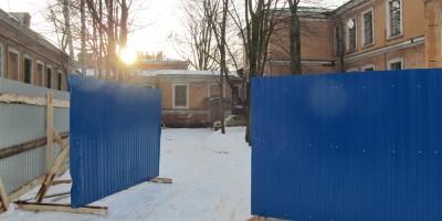 Корпуса на Боткинской, забор