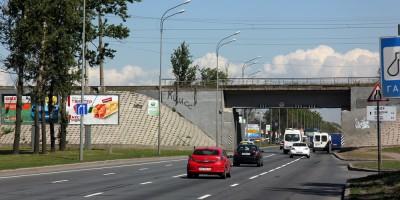 Пулковское шоссе под железнодорожным путепроводом