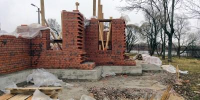 Строительство церкви, берег Ижоры