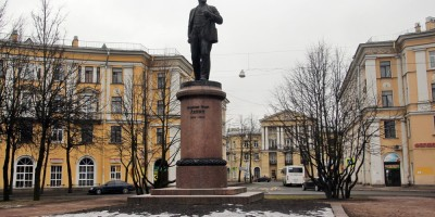 Колпино, памятник Ленину у вокзала