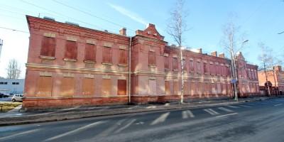 Ломоносов, Александровская улица, 17