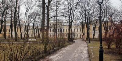 Сад Шереметевского дворца
