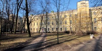 Задний фасад Екатерининского института