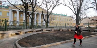Мариинская больница, место памятника Ольденбургскому