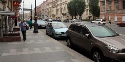 Тротуар на улице Марата