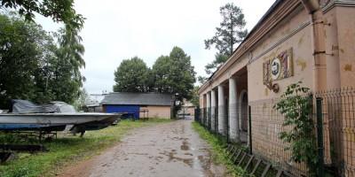 Водно-моторная станция в Лопухинском саду