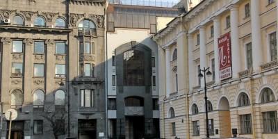 Административное здание на площади Островского, 2, литера В