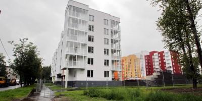 Колпино, новый дом на углу Павловской и Губина