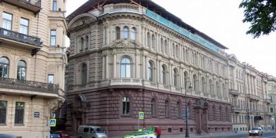 Мало-Михайловский дворец на Адмиралтейской набережной