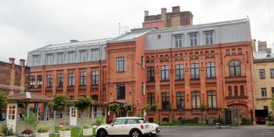 Школа Шостаковичей на Васильевском острове