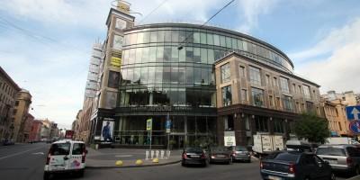 Торговый центр Apriori на Большом проспекте Петроградской стороны, 58