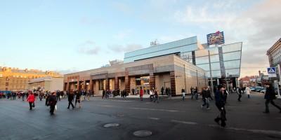 Вестибюль станции метро Спасская