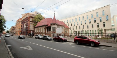 Академия танца Бориса Эйфмана, вид с Большой Пушкарской улицы