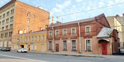 Фортепианная фабрика Красный Октябрь на 8-й линии Васильевского острова, 77