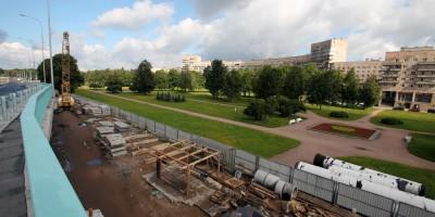 Сквер на проспекте Непокоренных