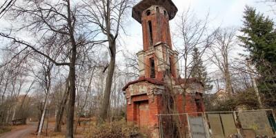 Водонапорная башня усадьбы Мордвиновых в Ломоносове